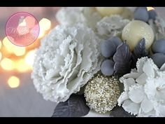 Video tutorial from McGreevy Cakes - how to make a fondant peony. Cake Decorating Techniques, Cake Decorating Tutorials, Fondant Cake Tutorial, Sugar Paste Flowers, Chocolate Flowers, Modeling Chocolate, Fondant Flowers, Sugar Craft, Flower Tutorial