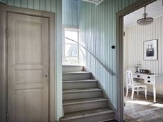 Yellow house on the beach: Modern, rustic and vintage Rustic Staircase, Staircase Design, Us White House, House Stairs, Scandinavian Home, Dream Decor, Bedroom Colors, Home Fashion, Home And Living
