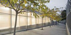 http://www.e-architect.co.uk/images/jpgs/barcelona/school_gym_704_harquitectes080609_9.jpg