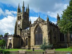 Tideswell parish church Uk Holidays, Peak District, Derbyshire, British Isles, All Pictures, Barcelona Cathedral, Countryside, Places To Visit, Explore