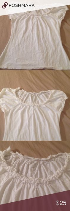 Great Summer Blouse Ann Taylor Loft Great piece for your summer wardrobe! have so much to list due to domestic violence and now being homeless. Please don't hesitate to make offer I have been given so much time for Storage before I lose everything. Ann Taylor Tops Blouses