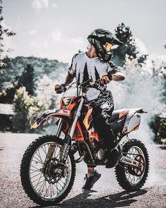 Motocross Love, Enduro Motocross, Enduro Motorcycle, Moto Wallpapers, Cool Dirt Bikes, Freestyle Motocross, Stunt Bike, Bike Photoshoot, Biker Boys