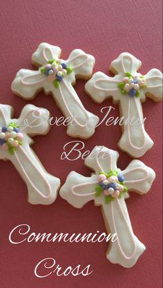 Sweet Jenny Belle - Communion Cookie Tutorial Easy Sugar Cookies, Candy Cookies, Easter Cookies, Royal Icing Cookies, Holiday Cookies, Cookie Icing, Decorated Cookies, Christian Cakes, Cross Cookies