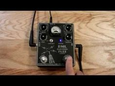 Here we have a quick demo of the Electron Fuzz Custom guitar effects pedal from…