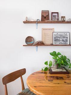 Jessica and Ryan fit a busy life into a small space; they manage to live and work out of a 700-square-foot apartment.