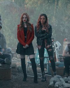 Cheryl Blossom Riverdale, Riverdale Cheryl, Vanessa Morgan, Riverdale Memes, Riverdale Cast, Riverdale Funny, Tv Show Outfits, Cute Outfits, Camila Mendes Riverdale