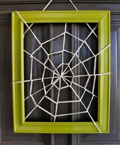 DIY spiderweb frame! I have a frame that's perfect for this.