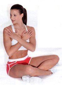 Vuoi avere una pancia piatta e snellire i fianchi? Ecco 4 esercizi per addominali perfetti. Segui anche la dieta consigliata: i risultati sono più efficaci