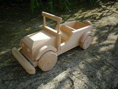 Jouet en bois jeep