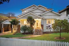 White on white elevated Californian Bungalow - 10 Hertford Crescent BALWYN