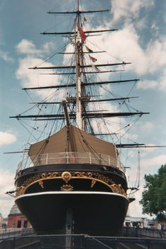 The Cutty Sark in Greenwich, been on it.Impressing how brave people have been passing through the storms. Cheap Days Out, Greenwich London, Old Sailing Ships, Merchant Navy, Armada, Wooden Boats, Tall Ships, Water Crafts, London England