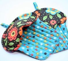 Cupcake Quilted Potholders - Set of 2 - Frolic...