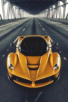 #BlackandYellow Ferrari LaFerrari...