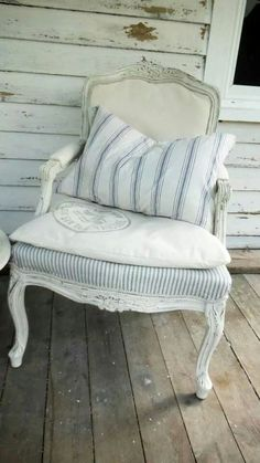 Morning ladies, today is furniture :) let's find beautiful single items that look great on boards, cottages and stories alike Upholstered Furniture, Shabby Chic Furniture, Painted Furniture, Furniture Design, French Decor, French Country Decorating, Muebles Shabby Chic, French Chairs, Take A Seat