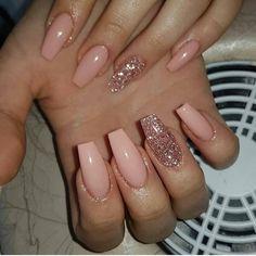 peachy nails with rose gold glitter nail art unghie color pesca con nail art glitter oro rosa Cute Nails, Pretty Nails, My Nails, Fall Nails, Summer Nails, Winter Nails, Gorgeous Nails, Polish Nails, Fabulous Nails