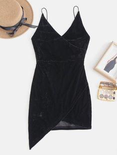 Strappy Open Back Velvet Mini Party Dress - Black - Black L - zaful Fashion Night, Look Fashion, Trendy Fashion, Womens Fashion, Fashion Brands, Bikini Vert, Haut Bikini, Women's Dresses, Casual Dresses