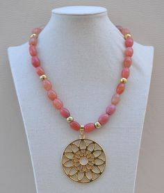 Bead Jewellery, Stone Jewelry, Beaded Jewelry, Handmade Jewelry, Beaded Bracelets, Antique Jewellery Designs, Jewelry Design, Diy Necklace, Necklace Designs
