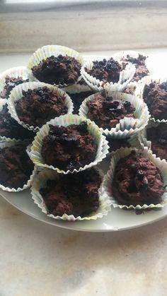 #karatay #kurufasulye #cupcake Bir su bardagi haslanmis blendurdan gecirilmis kuru fasulye  2 yumurta Kakao Iki havuc rendesi Tarcin Ustu icin ben kuru erik koydum