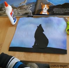 Wolf Art for Kids - silhouette wolf with a background made from markers and water! Food Art For Kids, Animal Crafts For Kids, Classroom Crafts, Preschool Crafts, 20 Years Old, Kids Silhouette, Black Silhouette, Wolf Craft, Wolf Kids