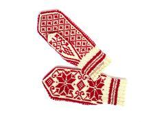 Wrist Warmers, Hand Warmers, Hand Knitting, Knitting Patterns, Warmest Winter Gloves, Wool Gloves, Star Ornament, Knit Mittens, Christmas Knitting