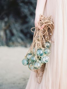 Ethereal and Romantic Oregon Coastline Bridal Inspiration | Wedding Sparrow | Maria Lamb Photography