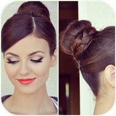Victoria Justice's makeup