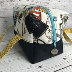 Artsy Bag Lunch Bag Travel Bag Art Supply Bag Zipper by AuntHenri