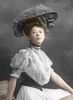 Camille Clifford, a real-life Gibson girl