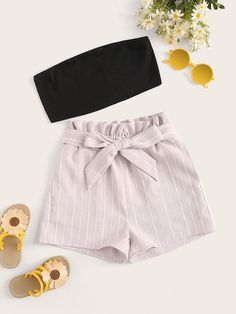 To find out about the Girls Solid Bandeau & Paperbag Waist Striped Shorts Set at SHEIN, part of our latestGirls Two-piece Outfits ready to shop online today! Teenage Outfits, Cute Girl Outfits, Teen Fashion Outfits, Cute Casual Outfits, Cute Summer Outfits, Outfits For Teens, Girl Fashion, Preteen Fashion, Vetement Fashion