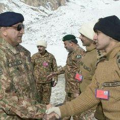Pak Army Soldiers, Pakistan Armed Forces, Pakistan Zindabad, Army Love, Military, Hero, Celebrities, People, Celebs