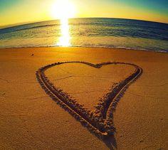Ηλιοβασίλεμα στην Κύπρο #Cyprus #sunset #goldsand #bleumagic