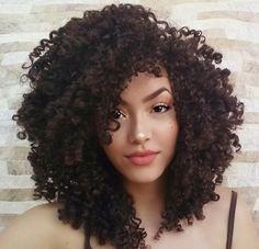 Jéssica Andrade - @jessicaandradeoficia Curly Hair - Curls - Natural Hair - Cachos - Cacheadas - cachinhos