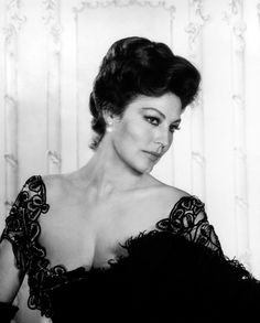 Portrait of Ava Gardner in 55 Days at Peking directed by Nicholas Ray, 1963. Photo by George Hoyningen-Hu
