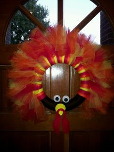 Thom the Turkey wreath. Too CUTE and this would be easy to make!