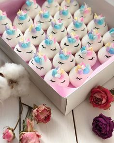 Creative pastry desserts, can give a fresh feeling to the Meringue Desserts, Meringue Cookies, Cute Desserts, Cake Cookies, Cupcake Cakes, Cakepops, Baby Shower Treats, Baby Showers, Mini Meringues