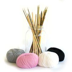 Ovillos y agujas para tejer, que poco hace falta para poder crear algo con tus propias manos :)