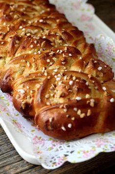 Kakkuviikarin vispailuja!: Kierre, - ja saksipitkot French Toast, Bread, Baking, Breakfast, Buns, Food, Gastronomia, Morning Coffee, Brot