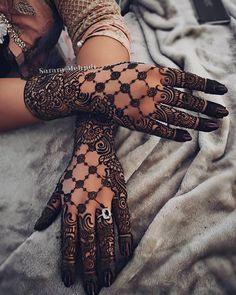 Mehndi is something that every girl want. Arabic mehndi design is another beautiful mehndi design. We will show Arabic Mehndi Designs. Modern Henna Designs, Indian Mehndi Designs, Mehndi Designs For Girls, Bridal Henna Designs, Mehndi Design Pictures, Mehndi Designs For Fingers, Latest Mehndi Designs, Henna Tattoo Designs, Arabic Henna Designs