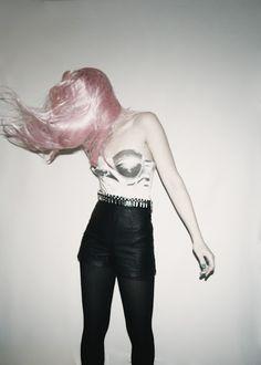 pink hair, i don't currr