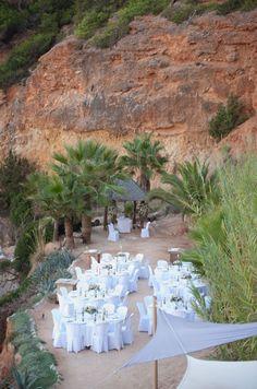 Ibiza Wedding  Ese estilazo.... Always Ibiza  http://www.bodaenibiza.es