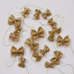 glitter pasta garland