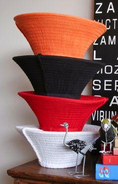 African craft / art by Safari Fusion Zulu Traditional Attire, Zulu Traditional Wedding, Zulu Wedding, Zulu Women, Afrique Art, African Wedding Attire, Yellow Shop, Wedding Headdress, Contemporary African Art