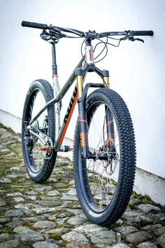 As a beginner mountain cyclist, it is quite natural for you to get a bit overloaded with all the mtb devices that you see in a bike shop or shop. There are numerous types of mountain bike accessori… Mountain Bike Brands, Best Mountain Bikes, Mountain Biking, Hardtail Mtb, Hardtail Mountain Bike, Downhill Bike, Mtb Bike, Bmx, Bicycle Safety