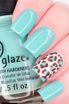 And in case your nail art skills aren't up to par. Check out the 25 Eye-Catching Minimalist Nail Art Designs Fancy Nails, Love Nails, My Nails, Teal Nails, Tiffany Blue Nails, Purple Nail, Chic Nails, Bright Nails, Green Nails