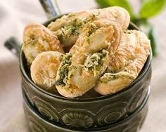 Parmesan and Basil Savoury Cookies is a delicious Continental recipe served as a Dessert. Cake Flan, Cheers, Pesto Pizza, Dehydrated Food, Batch Cooking, Pizza Hut, Fresh Rolls, Parmesan, Potato Salad