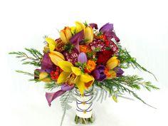 Bruidsboeket met Cymbidium, Zantedeschia, Rosa, Tulipa, Hypericum inodorum, Chrysanthemum, Dianthus, Chamelaucium en Asparagus setaceus, door Natys Floral Design & Services