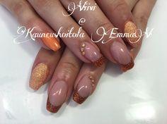 Orange nails