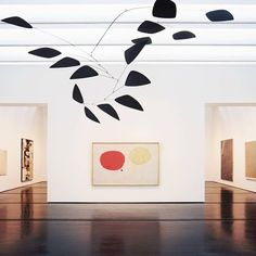 Alexander Calder mobile hovers above a Joan Miró canvas Alexander Calder, Joan Miro Paintings, Mobile Sculpture, Mobile Art, Surrealism Painting, Modern Artists, Photo Canvas, Art And Architecture, Deco
