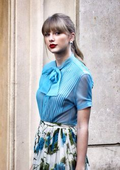 Taylor Swift- you are right beef! Love the vintage style