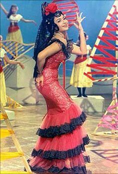 Helen in red Spanish dress--Teesri Manzil Helen Bollywood, Vintage Bollywood, Indian Bollywood, Bollywood Actress, Bollywood Costume, Bollywood Outfits, Bollywood Fashion, Bollywood Theme, Club Outfits
